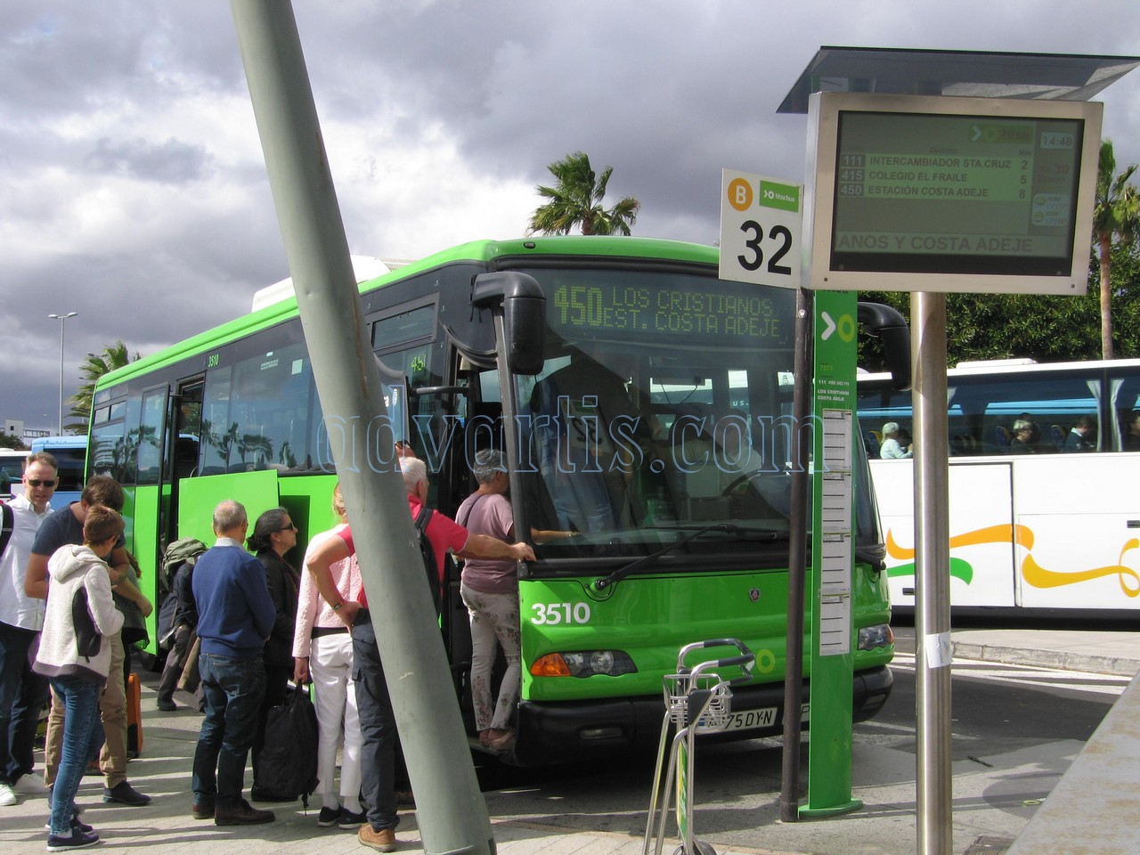 Tenerife bus in Tenerife South airport 450