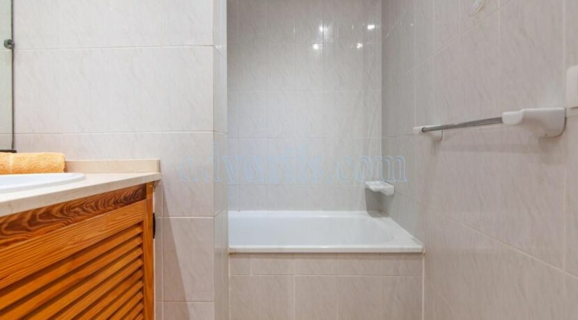 1-bedroom-apartment-for-sale-in-playa-paraiso-tenerife-38678-0109-16
