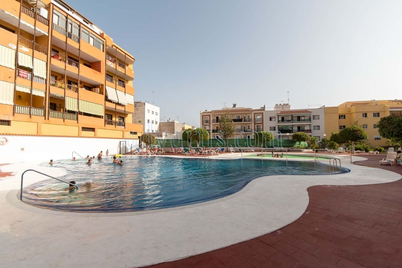 Spacious 3 bedroom apartment for sale in Adeje, Tenerife, Spain €178.000