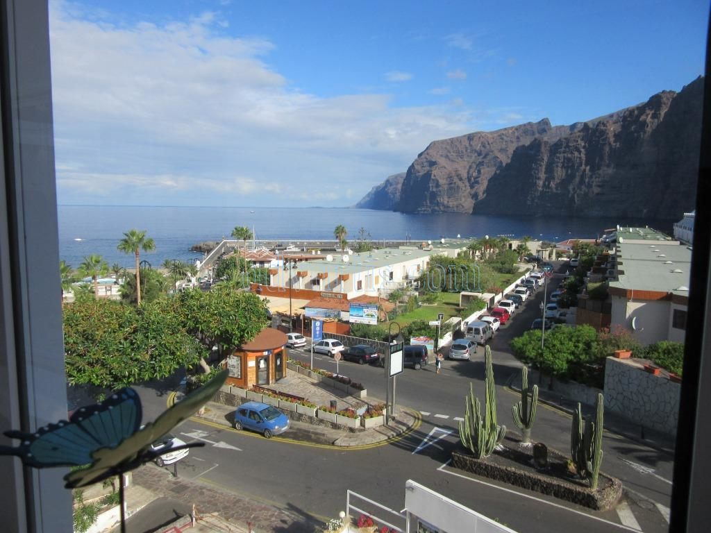 2 bedroom apartment for sale in Los Gigantes, Tenerife €225.000
