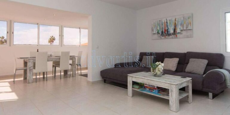 4-bedroom-villa-for-rent-in-callao-salvaje-tenerife-spain-38678-0708-09